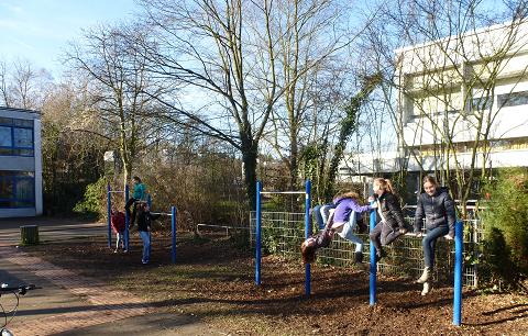 Schulhof.2015